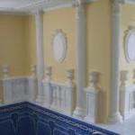 Лепнина из гипса дружит с любым декором..к примеру итальянская мозаика и плитка фото